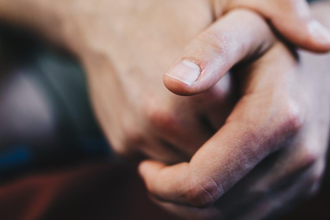 ¿Por qué me como las uñas?